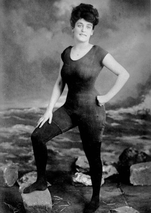 Annette Kellerman dans sa tenue de natation (photo : collection George Grantham Bain collection, Library of Congress)