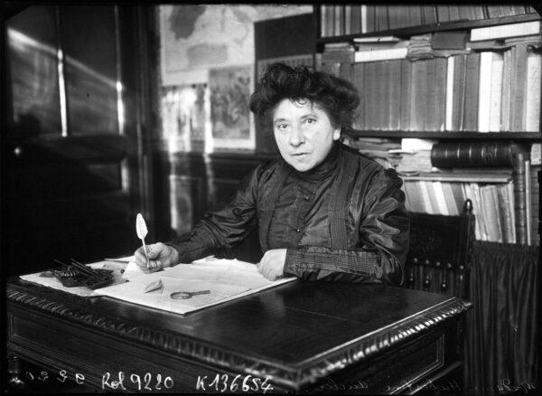 Hubertine Auclert (photo : Agence Rol, 1910)
